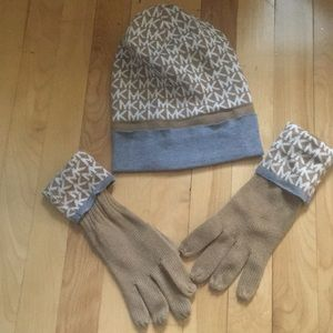 Michael Kors gloves and hat